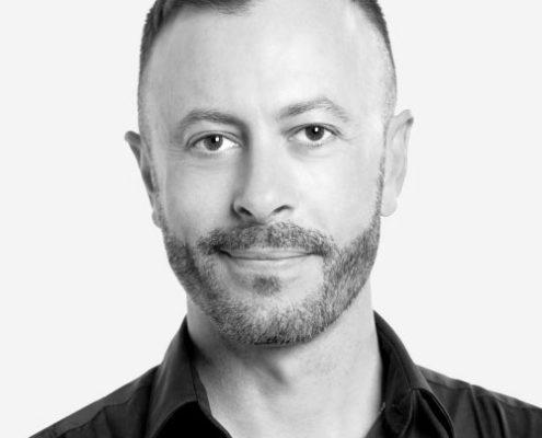 Julien Plaça, ostéopathe   Clinique Synergek   Montréal (Rosemont)